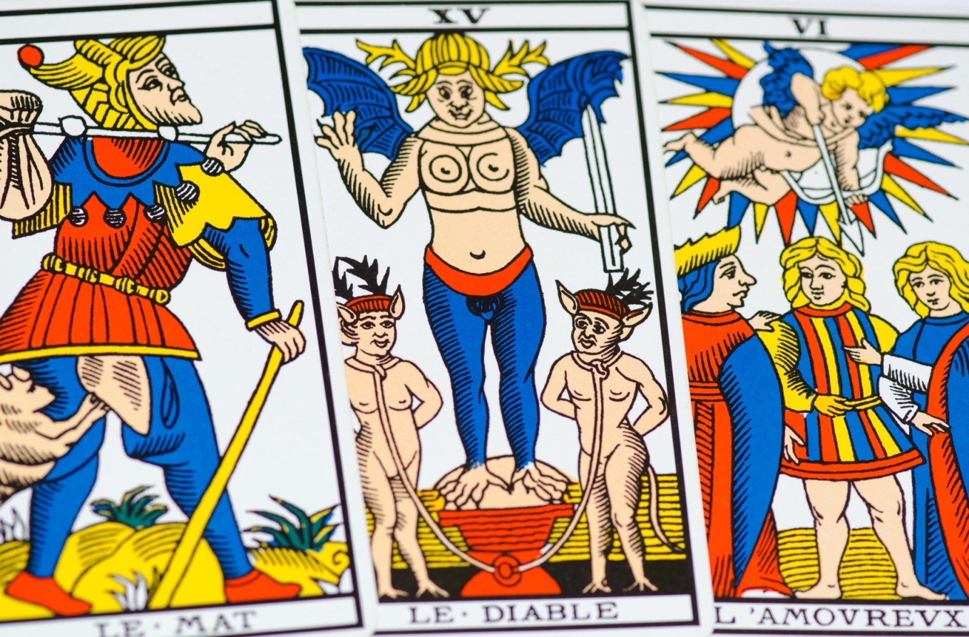 Characters of tarot reading