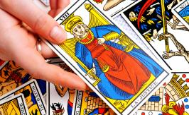 Interpreting a Strength Tarot card
