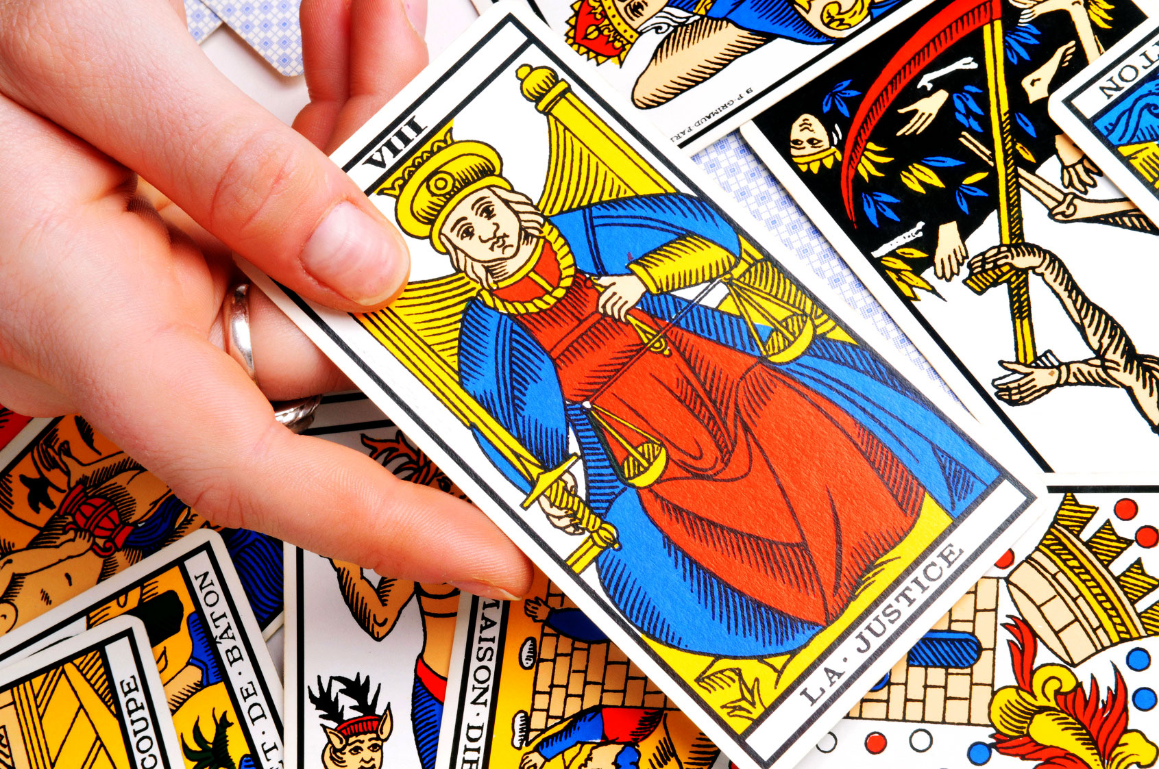Interpreting a Temperance Tarot card